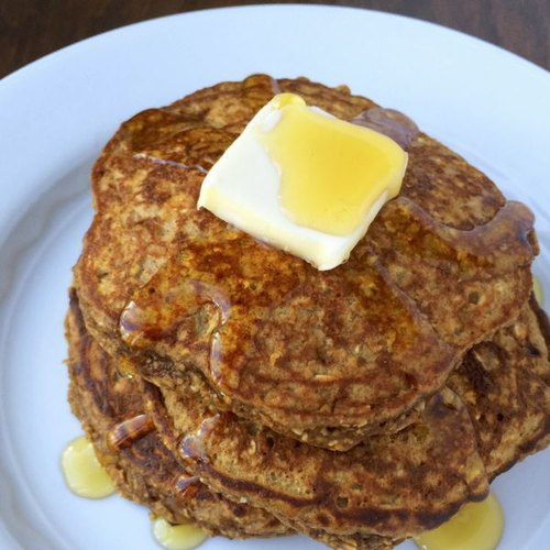 Gingerbread-Protein-Pancakes-The-Lemon-Bowl